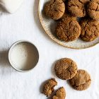 Vegan Molasses Ginger Cookies | The Full Helping