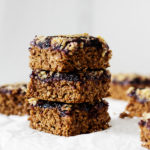 Breakfast-to-Go: Vegan Blueberry Oat Bars