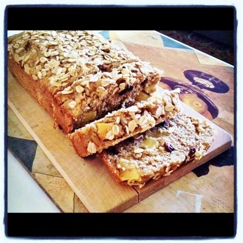 vegan apple oat bread