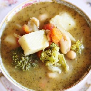 vegan white bean and vegetable pistou
