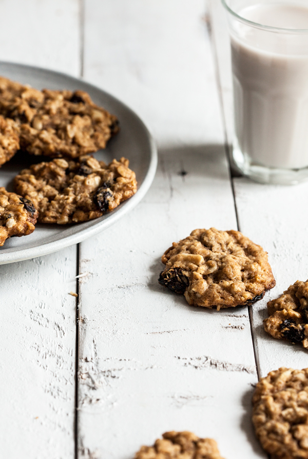 Almond Cherry Oat Cookies | The Full Helping