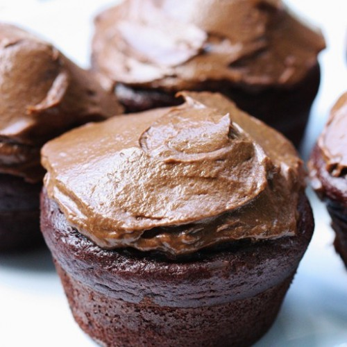 vegan gluten free chocolate avocado cupcakes and frosting
