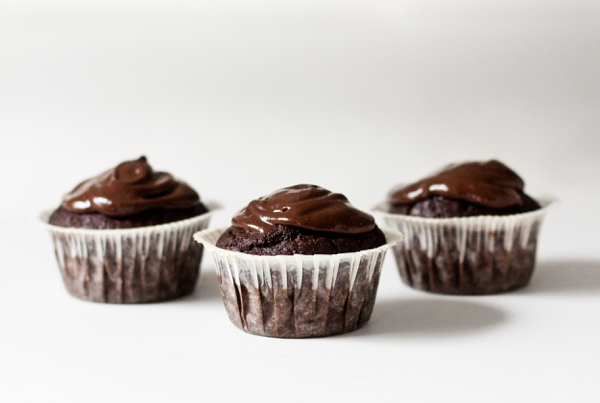 Chocolate Avocado Cupcakes and Frosting | The Full Helping