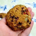 Sweet & Savvy Snacking: Superfood Stuffed Vegan Oatmeal Cookies
