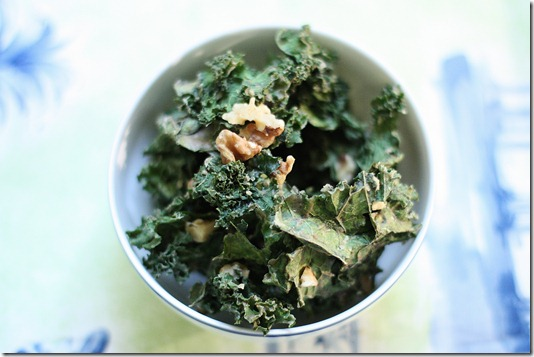 raw banana walnut kale chips