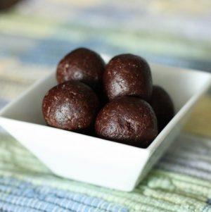 Chocolate Walnut and Maca Energy Bites
