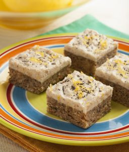 Raw Lemon Poppyseed Squares 4-262