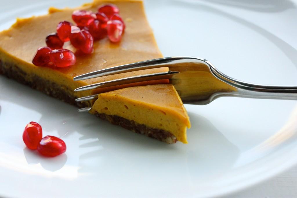 vegan no bake pie slice