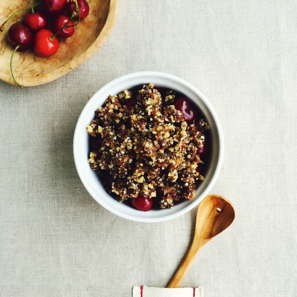 Raw, Vegan Cherry Cobbler with Walnut, Date, and Chia Crumble Topping // Choosing Raw
