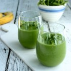 Avocado, grape, banana, and cilantro smoothie // Choosing Raw