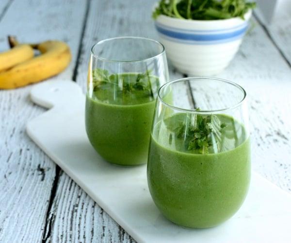 Avocado, grape, banana, and cilantro smoothie // Choosing Raw