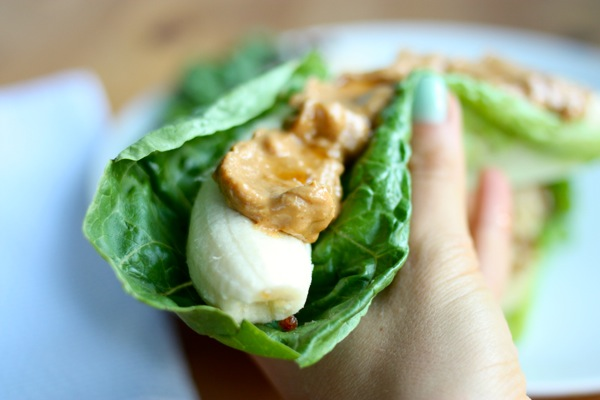 Easy Banana Breakfast Wraps | The Full Helping