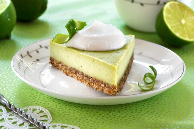Raw_Key_Lime_Pie_625_417_84auto_s_c1