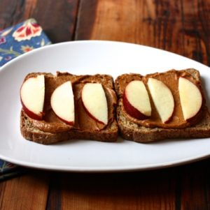Walnut cheddar and apple toast // Choosing Raw