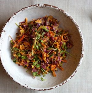 Turmeric Slaw // Choosing Raw