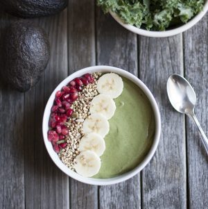 Banana avocado ice cream // Choosing Raw