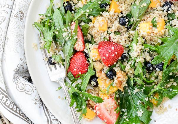 Berry-Arugula-Quinoa-Salad-4