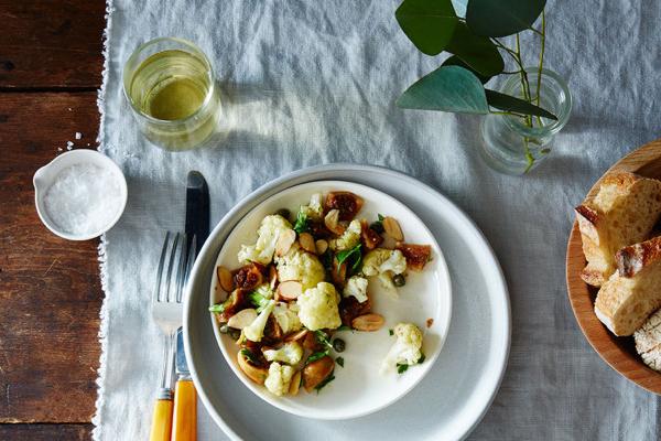 2015-0519_cauliflower-pickled-fig-and-almond-salad_james-ransom-008