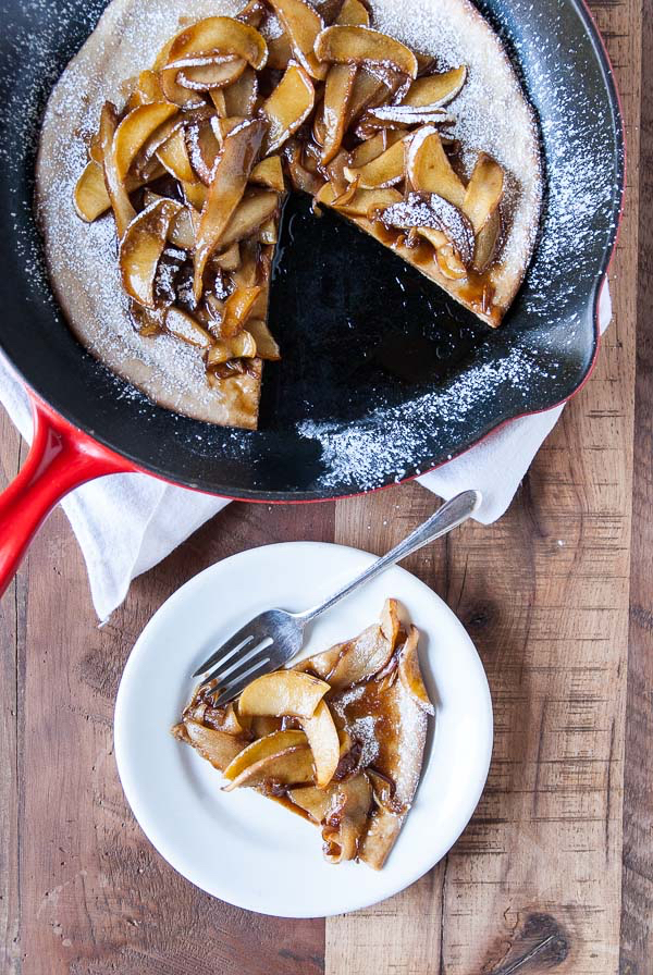 Vegan-Dutch-Baby-with-Caramelized-Apples-and-Pears-4