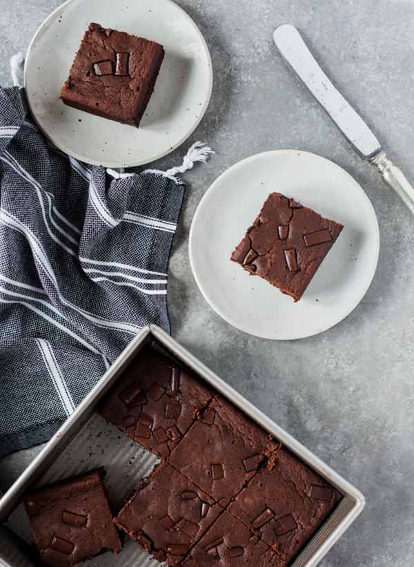 Vegan, gluten free dark chocolate espresso brownies: decadent and chewy!   The Full Helping