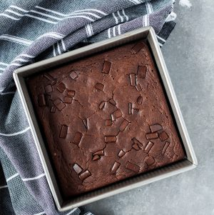 Vegan, gluten free dark chocolate espresso brownies: decadent and chewy! | The Full Helping