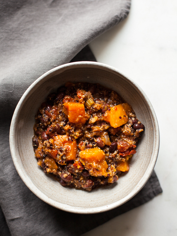 Slow Cooker Black Bean, Butternut Squash & Quinoa Chili | The Full Helping