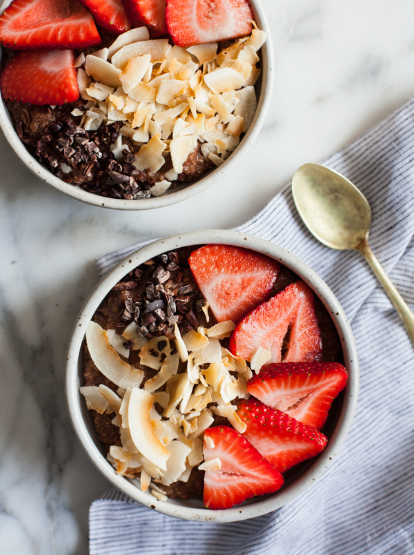 Cocoa Strawberry Quinoa Breakfast Bowls | The Full Helping