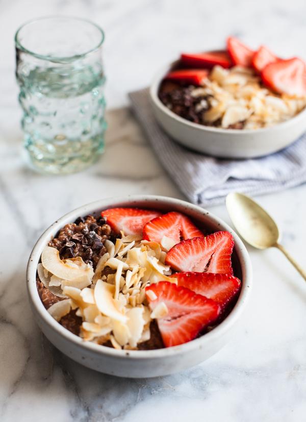 Cocoa Strawberry Quinoa Breakfast Bowls   The Full Helping