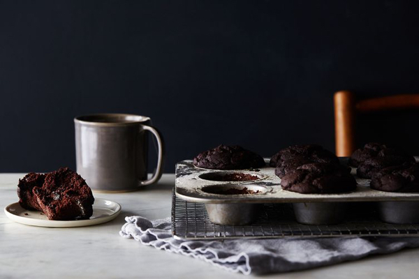 fd41ef30-7869-454d-b537-9d3729048c97--2016-0202_vegan-double-chocolate-muffins-valentines-day_julia-gartland_0467