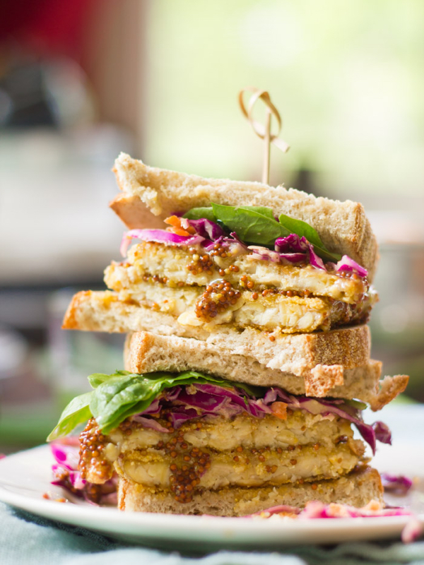 crispy-maple-dijon-tempeh-sandwiches-4