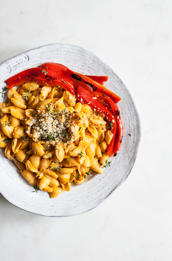 Quick & Easy Vegan Roasted Red Pepper Mac n' Cheese   The Full Helping