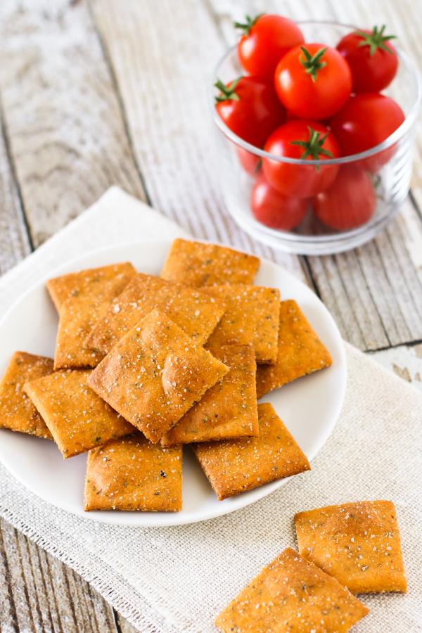 gluten-free-vegan-pizza-crackers