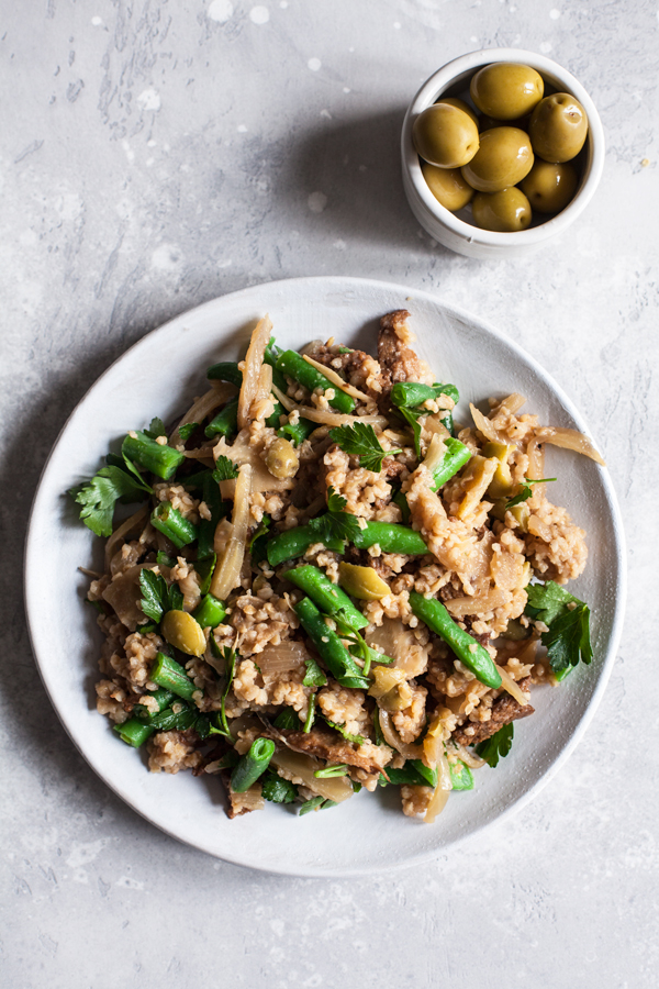Skillet Seitan and Bulgur with Fennel & Olives | The Full Helping