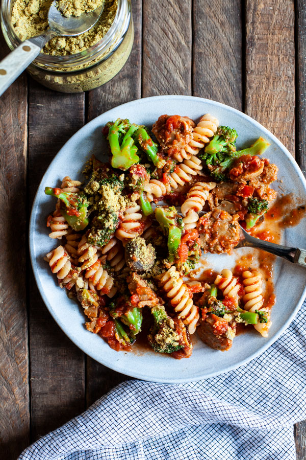 Easy Vegan Sausage Mushroom Marinara Pasta | The Full Helping