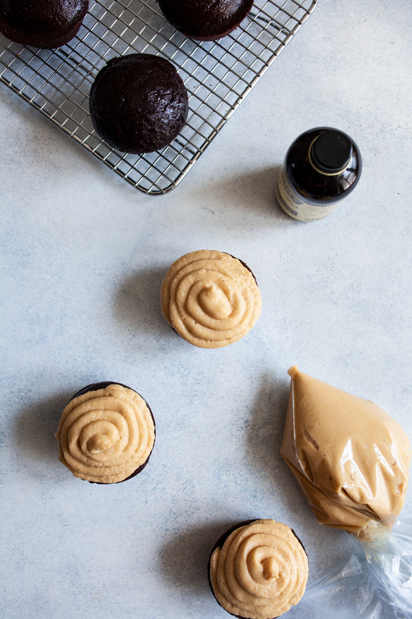 Vegan Chocolate Cupcakes with Creamy Peanut Butter Frosting | The Full Helping