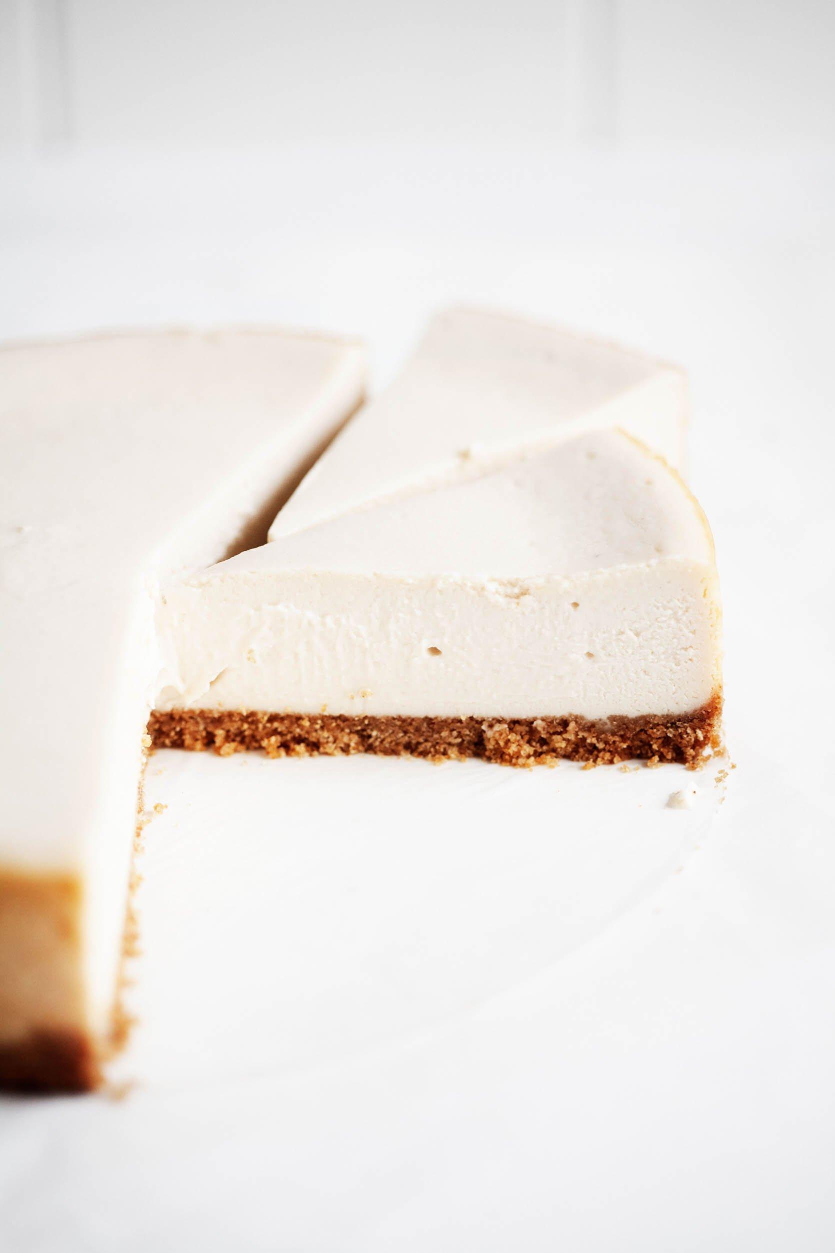 Classic Vegan Cheesecake | The Full Helping